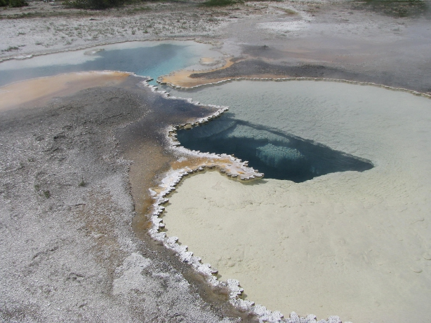 yellowstone sulfur water